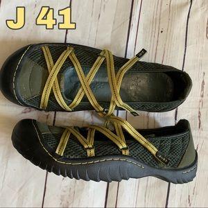 J 41 women's size 9 sneaker shoes gray